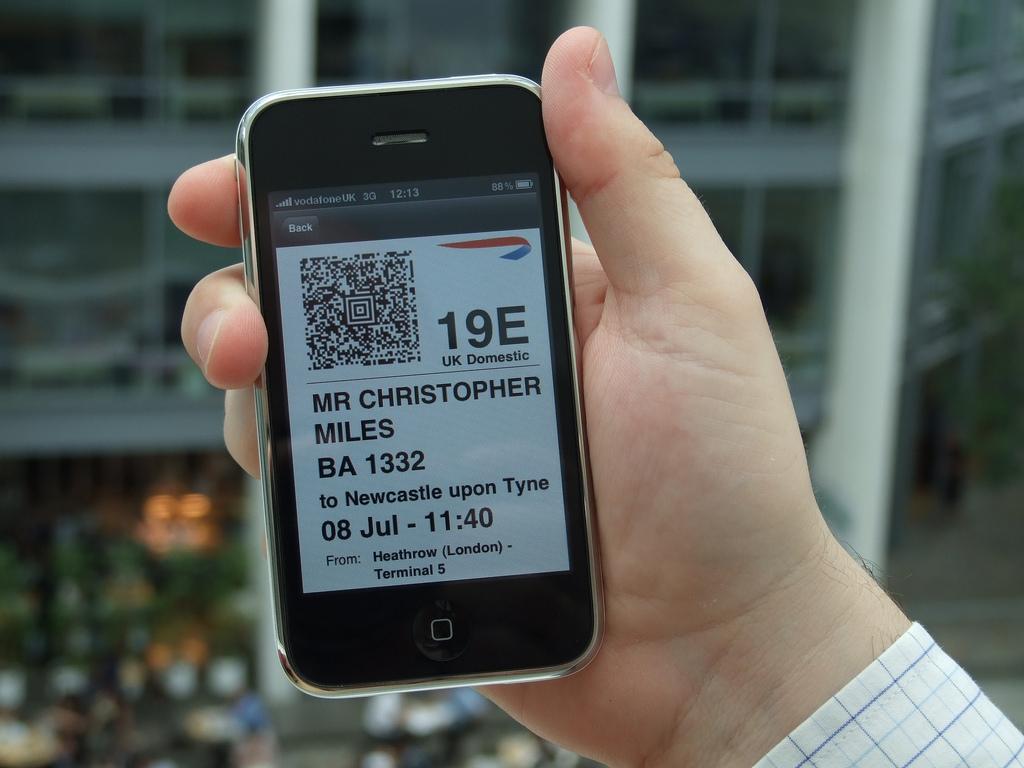 "Aeroporti i Prishtinës pranon ""mobile boarding passes"""